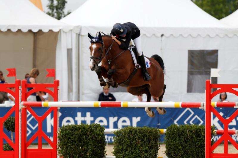 Samos de Bon Vouloir par Master van de Helle Champion de France Junior 2012